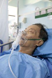 Vitamin C Saves Man Dying of Viral Pneumonia