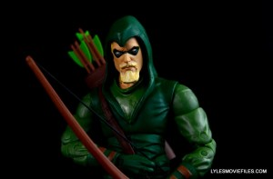 dc-icons-green-arrow-longbow-hunters-figure-review-profile-shot