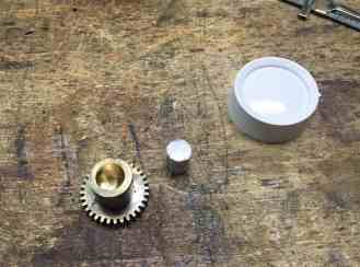 10 Gears and knobs