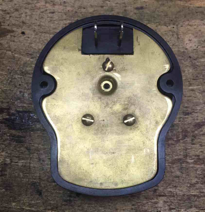 21 Brass plate+plug mounted