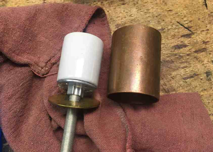 26 lamp housing and socket 1