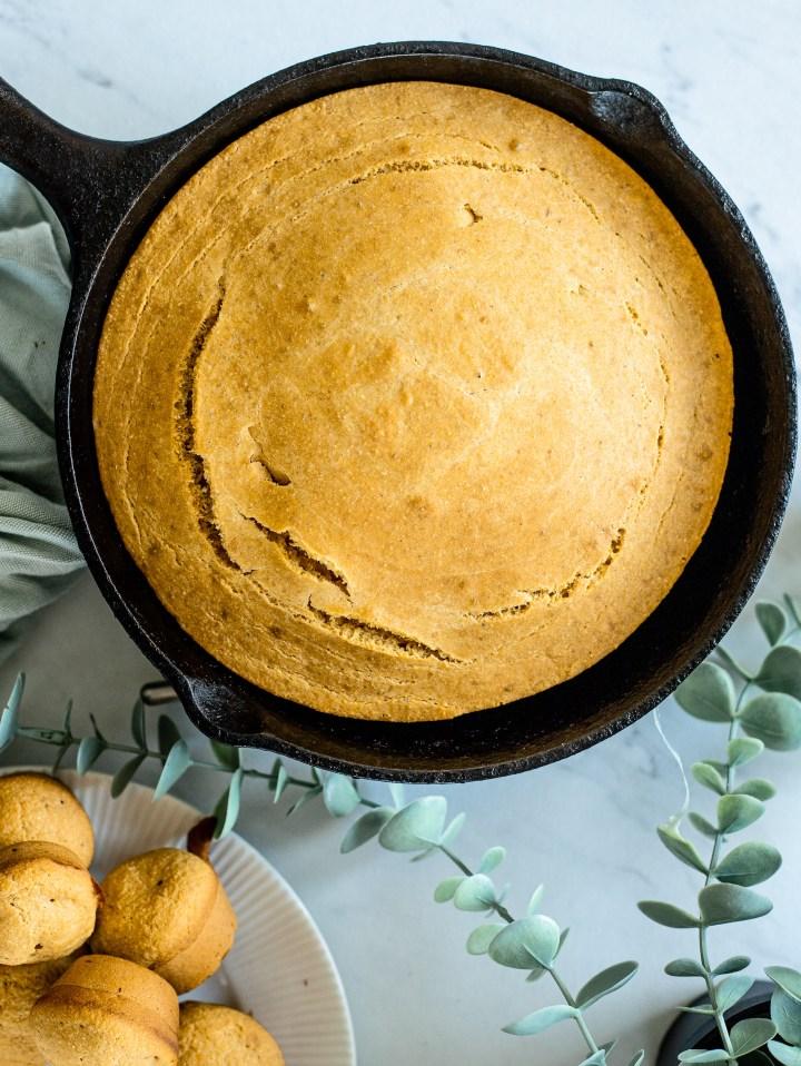 Easy Vegan Cornbread Recipe in a Cast Iron