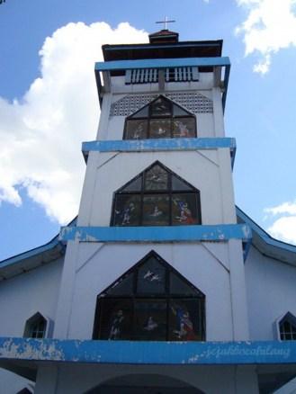 gereja di dekat alun-alun Ruteng