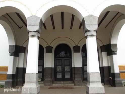 pintu utama Lawang Sewu