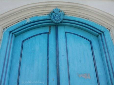 blue door in Baluwarti - Solo