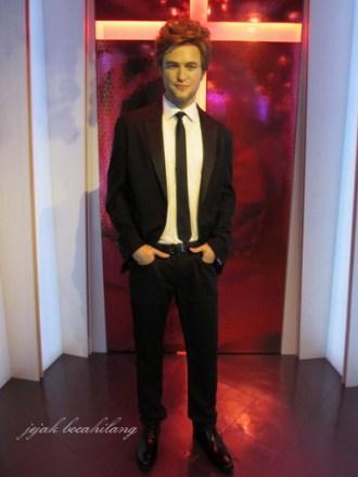 Edward Cullen or Robert...