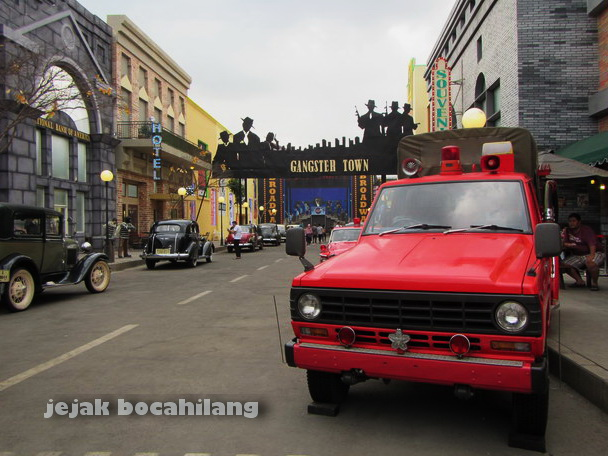 Gangster Town Museum Angkut