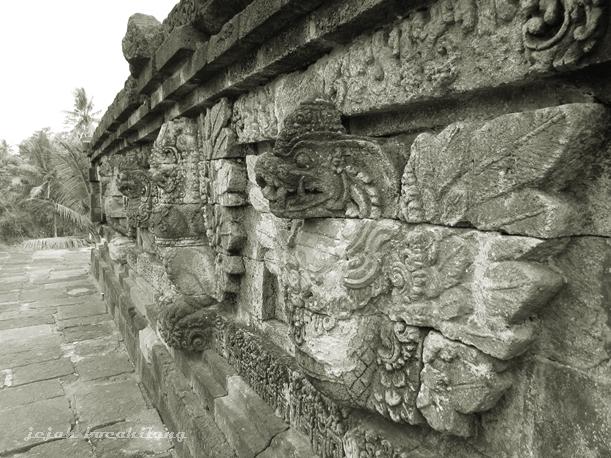 relief garuda