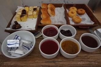 pilihan breakfast Hotel Adhisthana