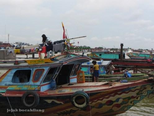 kapal sandar Sungai Musi