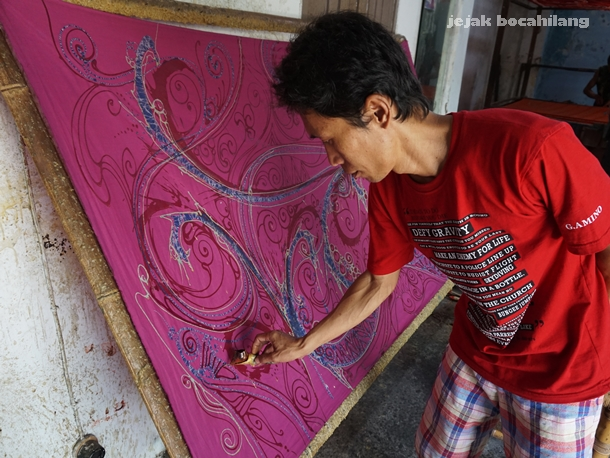 Pandono Batik Abstrak Laweyan