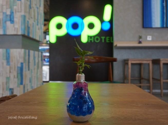 lobby POP Hotel Timoho