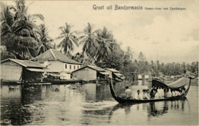 Kartu Post menggambarkan Banjarmasin. Sumber foto: KITLV Digital Media Library (http://media-kitlv.nl/all-media/indeling/detail/form/advanced/start/133?q_searchfield=banjarmasin)