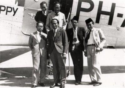 Tjokrohadikoesoemo, Soekiman, Sidartawan, Setiadjit, Abdoerachman, Abdoelmadjid tahun 1939. Sumber foto: KITLV Digital Media Library