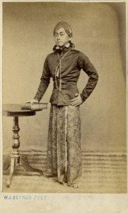 Raden Kartawinata, 1865. Sumber foto: KITLV Digital Media Library (http://media-kitlv.nl/all-media/indeling/detail/form/advanced/start/1?q_searchfield=moesa)