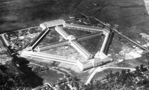 Penjara Sukamiskin, tampak atas. Sumber foto: Wikimapia