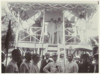 Gambar 1.1 Pertemuan Sarekat Islam di Blitar tahun 1914. Sumber foto: KITLV Digital Media Library