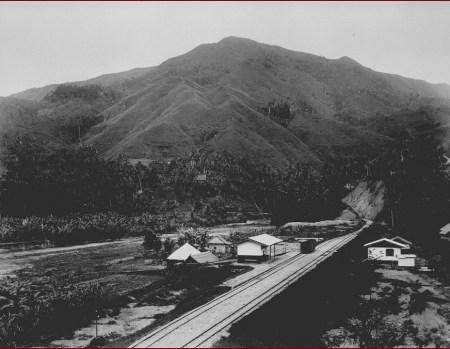 Gambar 3.3 Stasiun Silungkang. Sumber foto: Koleksi online Tropen Museum