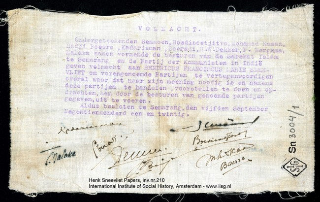 Gambar 4.2 Persetujuan dari Tan Malaka, Semaoen, Budisoetjitro dan lainya agar Sneevliet mewakili PKI di Pertemuan Komintern 1922. Sumber foto: International Institute of Social History. www. iisg.nl