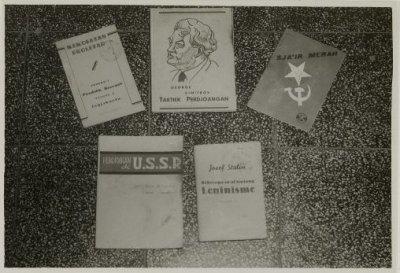 Gambar 13. Materi Propaganda komunisme di Indonesia 1945-1949. Sumber foto: KITLV Digital Media Library