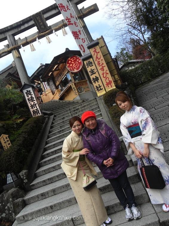 kyomizudera_temple2