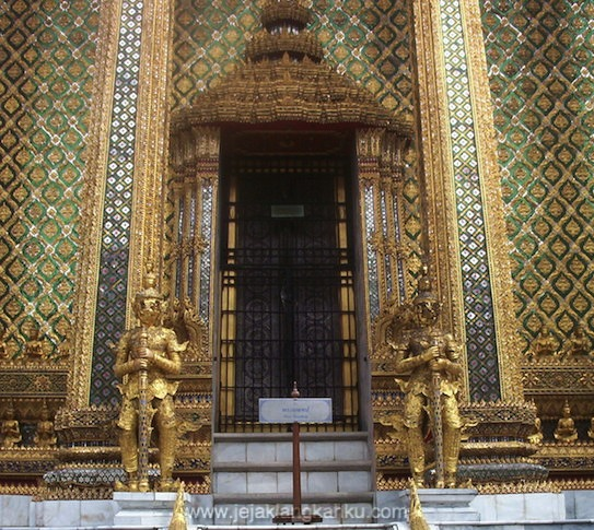 thailand istana raja siam backpackers