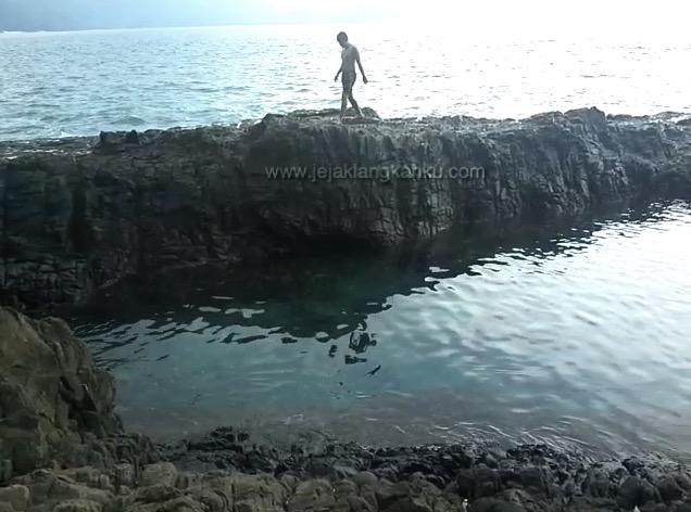 lagoon teluk kiluan 17