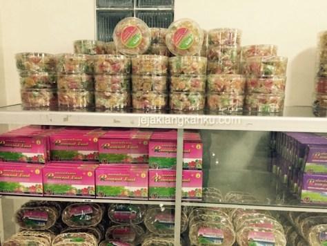 toko oleh oleh phoenix lombok 1-1