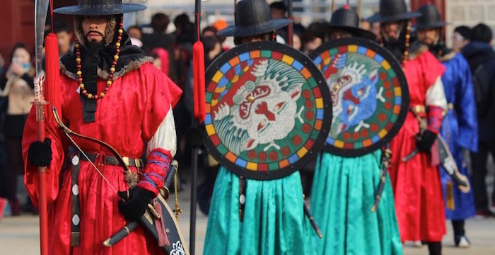 Wisata Sejarah di Istana Gyeongbokgung Seoul Korea, Penjaga Istananya Super Cool !