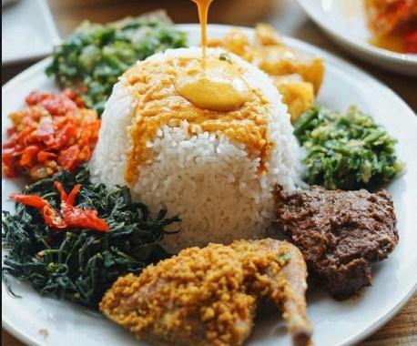Gambar terhubung dengan makanan khas Sumatera Barat