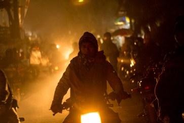 Suasana Jalan Menuju Lautan Pasir Di Malam Kasada