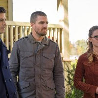 Download The Flash Season 5 Episode 9: Elseworlds - Part 1