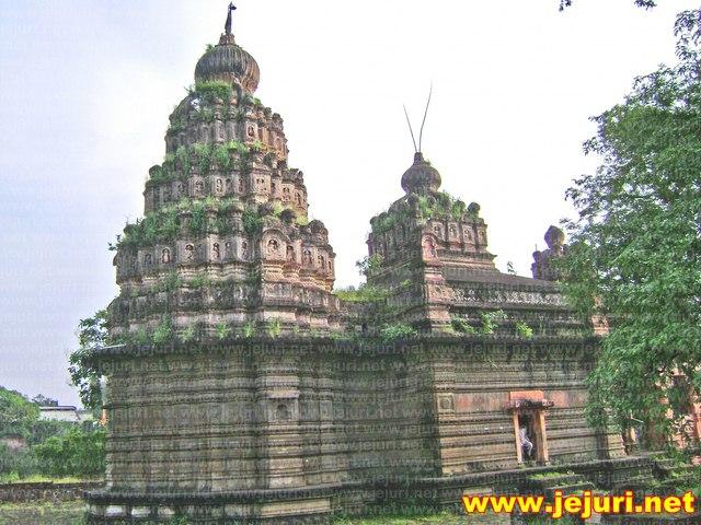sagmeshwar temple saswad