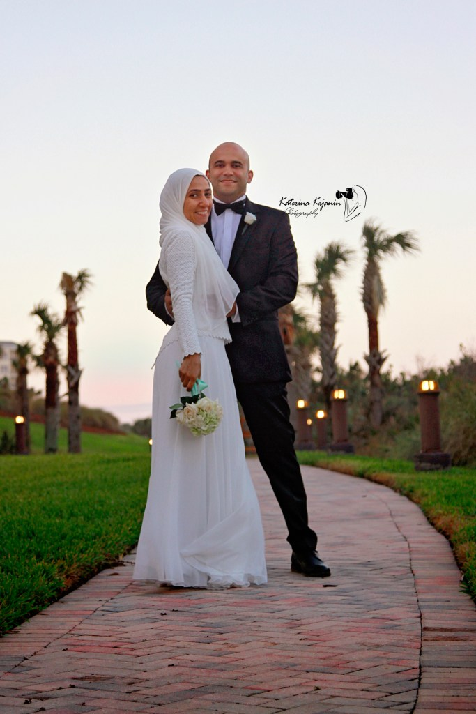 Wedding photographer and wedding photography packages, engagement photography and bridal portraits