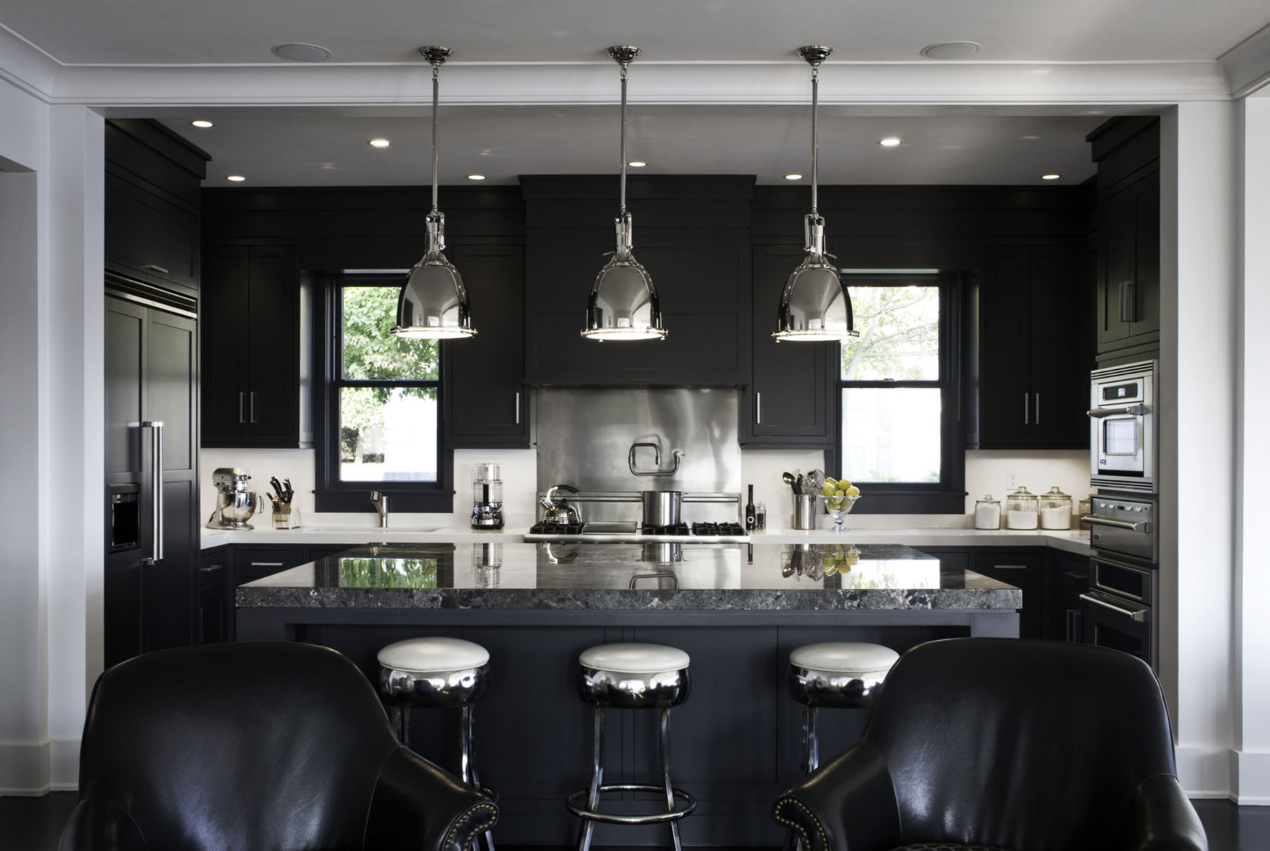 9+ Kitchens with Black Appliances in Trending Design Ideas for ...