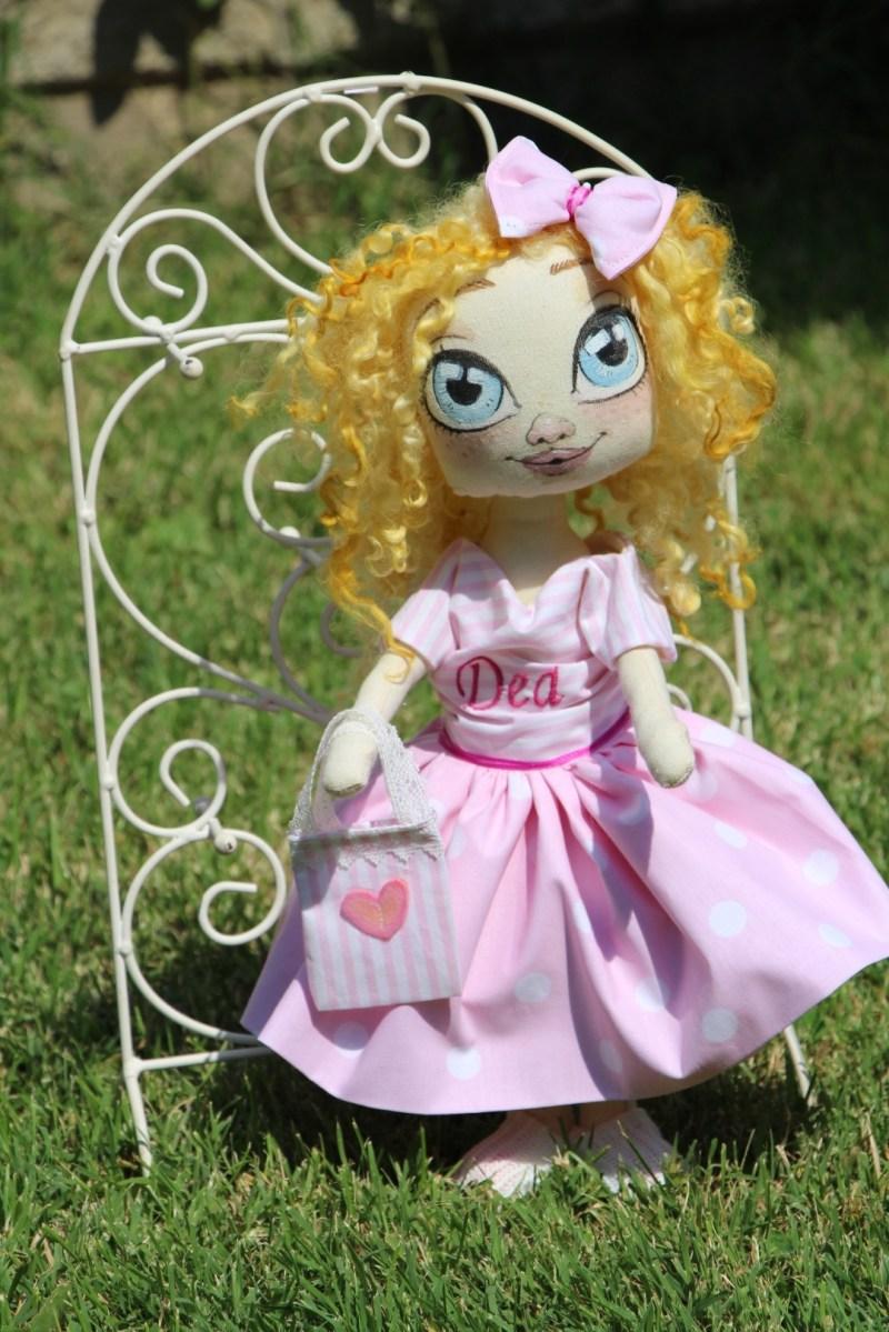 Кукла играчка