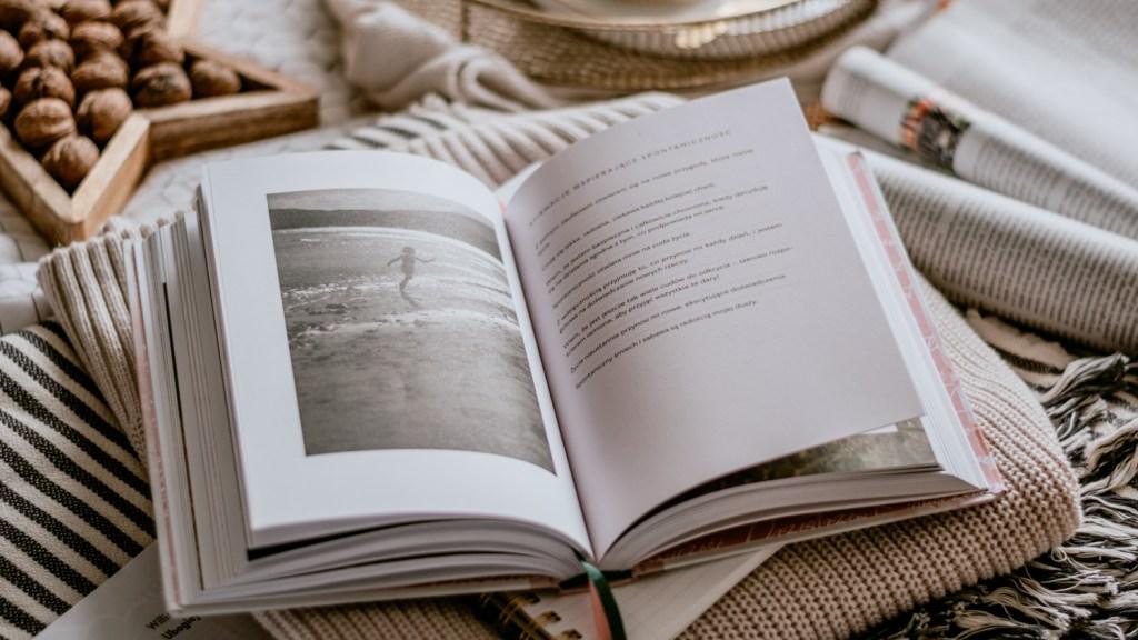 Słowa mocy. Sztuka tworzenia szczęśliwego życia - Agnieszka Maciąg