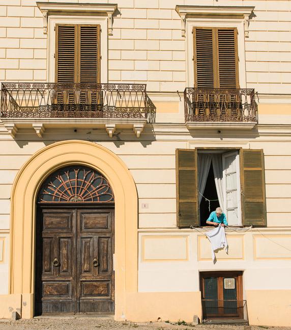 italian-laundry-street-photography