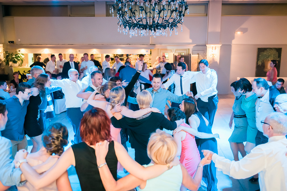 Belgian-dancing-wedding-night
