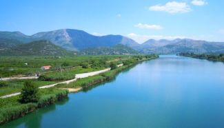 Fluss Neretwa