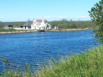 Bauerenhaus am Kanal