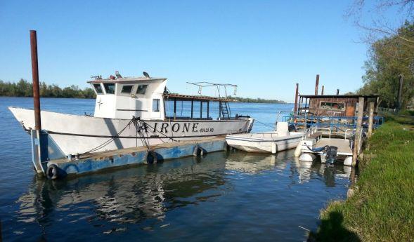 Fischerboote am Po