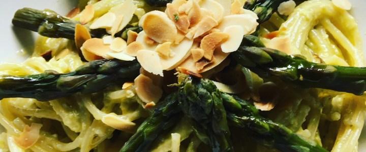 Pâtes au pesto d'asperges vertes et velouté d'asperges
