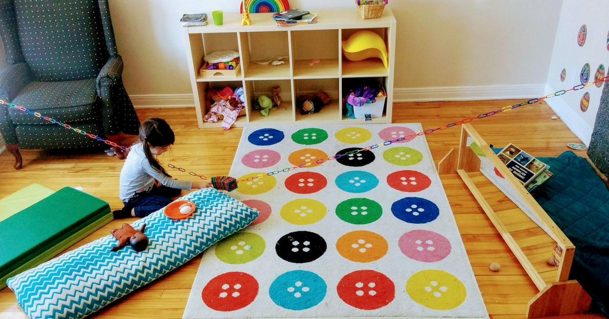 Comment aider mon enfant à jouer seul, pendant des heures? À lire sur Je Materne!