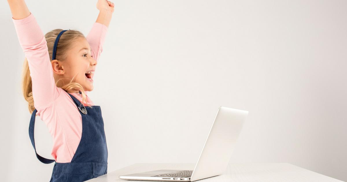 À LIRE! Pourquoi nous avons choisi de faire l'apprentissage en famille - Lis tout cet article important sur JeMaterne.com #IEF #AEF #ecolemaison