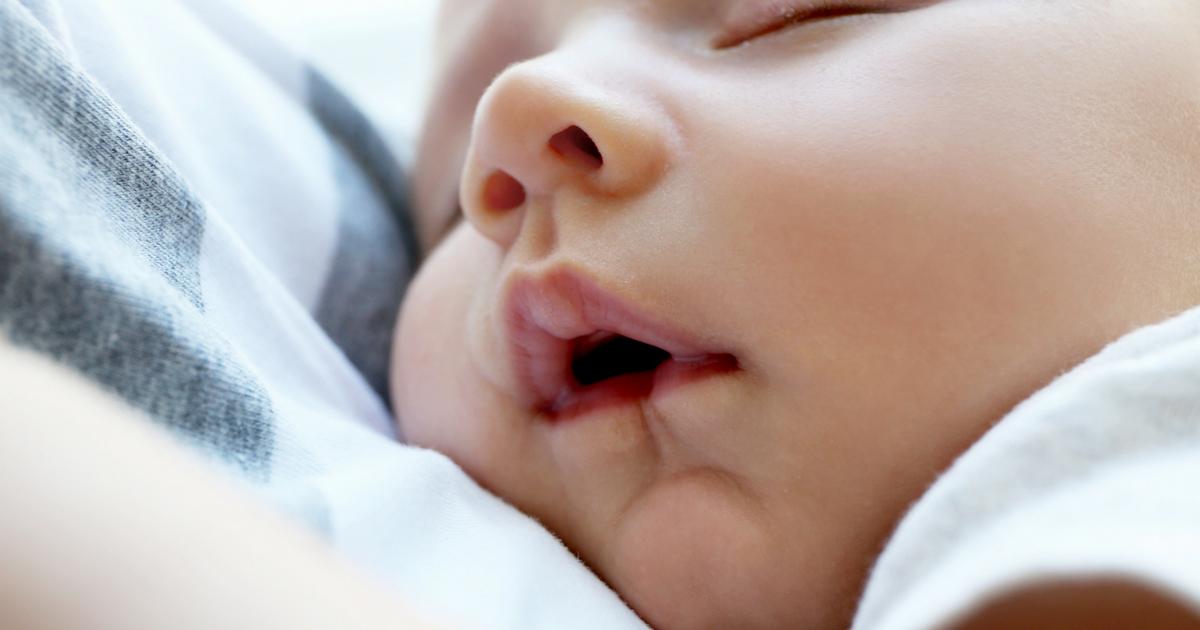 À LIRE ABSOLUMENT - Je donne mon maxiMOM - Sur JeMaterne.com! #bébé #sommeil #maman #chambre #shower #grossesse #litdebébé #babybed #baby #cododo