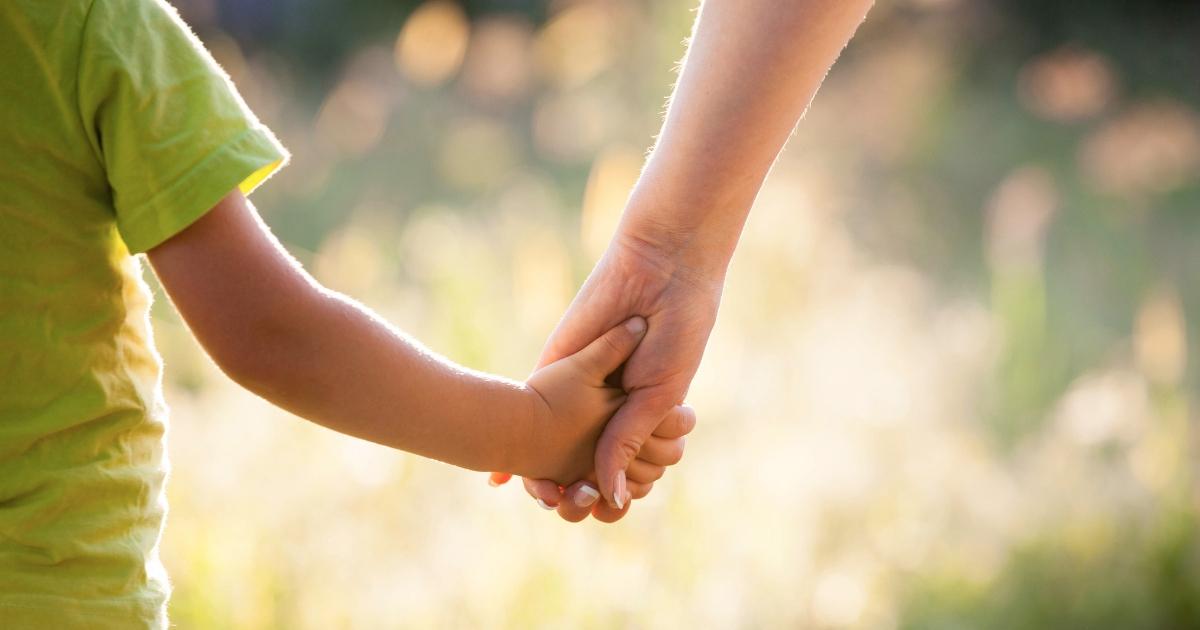 À LIRE! Je sais que c'est dur, belle maman... Clique ici pour lire on inspiration du jour sur: JeMaterne.com #viedemaman #bébé #famille