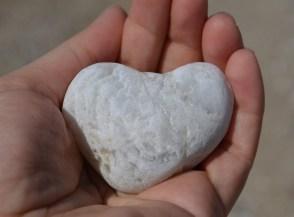 pierre en forme de coeur