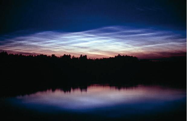 noctilucent clouds form leahsweather.wordpress.com