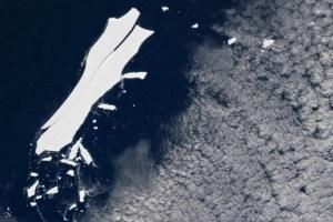 iceberg b15 by NASA